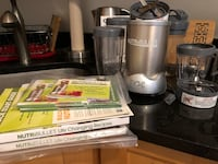 Nutribullet Pro 900 Series - Excellent Condition, All Pieces & Books NEWYORK