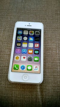 iPhone 5 .NEW. UNLOCKED for GSM carriers. Orlando