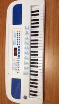 white and blue electronic keyboard Mississauga, L4W 3H1