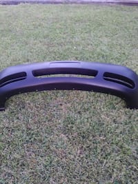 05/07 Town & country front bumper NEW