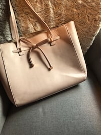 Light Pink Purse with Bow New York, 10029