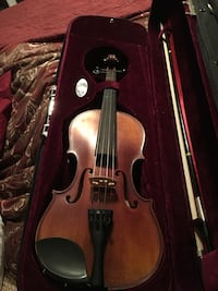 Classic strings violin 4/4 almost like new and have all receipts North Las Vegas, 89032