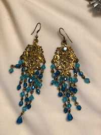 two pairs of blue and brown beaded hook earrings Bradford, L3Z 3B4