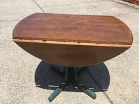 DINNING TABLE FTS -FOLDS JUST RIGHT BASE AND TABLE FOLDS EASY TO PUT AWAY IR TO CARRY ON TRIPS Clearwater, 33764
