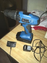 Alto craft power drill with charger Johnston City, 62951