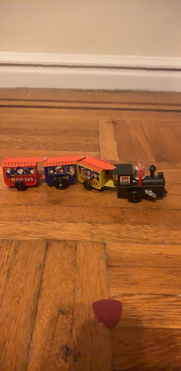 Vintage metal tin wind-up toy train bell works kid baby play 8143e3d4-b75b-4ac0-8071-85ae0055a691