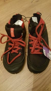 Red colour kid's shoes Greater London, E4 6QH