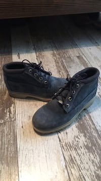 Pair of black timberland work boots 67 km