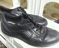 pair of black leather dress shoes Surrey, V3R 1W7