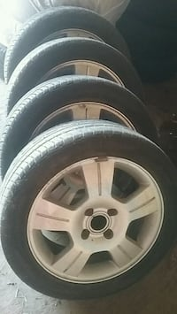 Ford focus rims and tires  552 km