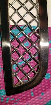 Saturn Sky Tri Chrome Front Grilles Grill BNIB   All information in pi
