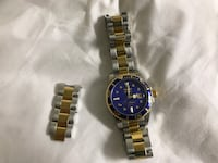 round blue and black analog watch with link band Monessen, 15062