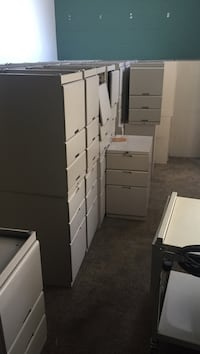 filing cabinets 3 drawers with a stabilizer pick up only at location Mississauga, L4T 1X3