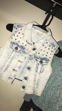lightwash denim jacket Las Vegas, 89141