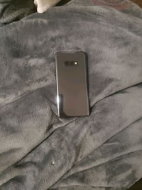 Samsung Galaxy s10 with otterbox case