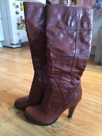 Women's Guess leather boots sz 8.5