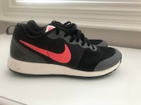 NIKE womans sneakers  Mississauga, L5V 3A6
