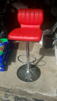 2 stools red color.  Laval, H7W 4Z9