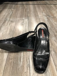 Prada shoes size 7 ladies authentic  Winnipeg, R3Y