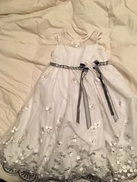 White and black floral sleeveless girl dress Toronto, M3M 2V7