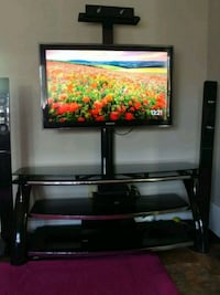 Tv samsung and table