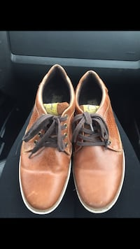Pair of brown leather shoes Woolwich, N3B 3P1