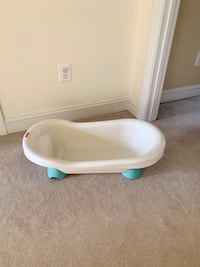 Fisher Price Bathtub Herndon, 20170