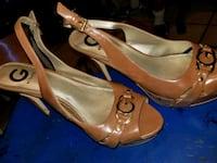 pair of brown leather peep-toe heeled shoes Lancaster, 93535