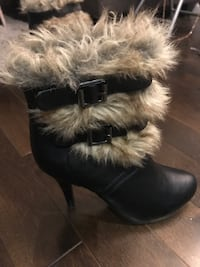 Boots size 7. Only worn once. Great condition! London, N6C 5B3