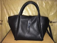 Black Used Leather Hand Bag  Vaughan, L4H