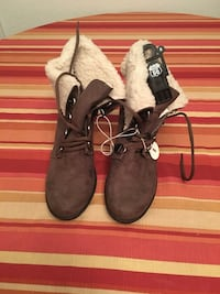 """""""Brand New)Women's Boots(Price Not Negotiable) Pick Up Only)No Holds ! Summerville, 29486"""