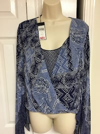 New never worn, NWT BCBG adorable top $30 sz M Alpharetta
