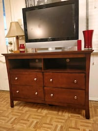 Like New dresser/ TV stand for big TVs in great co Annandale, 22003