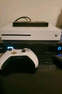 Xbox 1 with controller