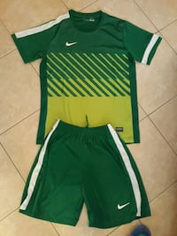Completino NIKE Tg XL. Palermo, 90131