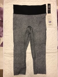 Lululemon BRAND NEW run the day crop size 8 Vancouver, V6P 3M2
