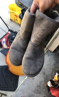 Authentic ugg boots Chicago, 60623