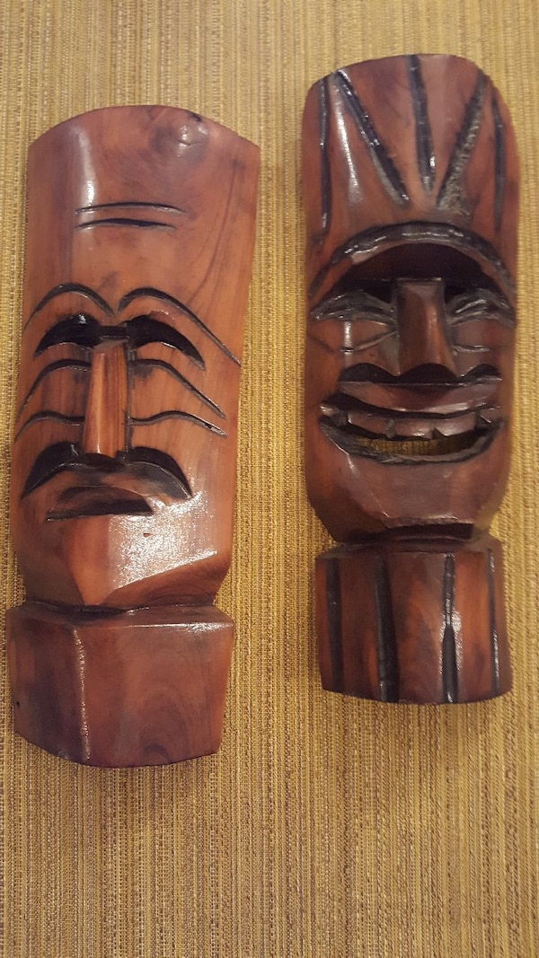 2 carved wood mask