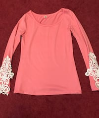 Women's pink and white floral sweater Gainesville, 30504