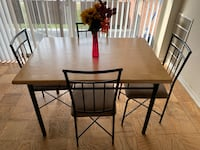 Dinning table  College Park, 20740