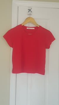 Red crop top XL never worn without tags