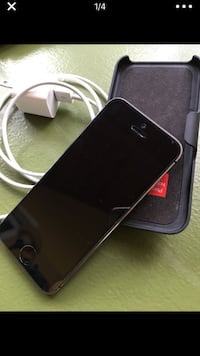 Black iphone 5s with charger Williamston, 48895