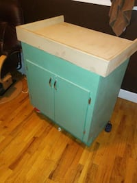 Baby Changing Table with storage. Redmond, 97756