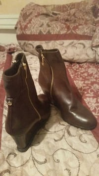 MK (Michael Kors) Brown Wedge Boots Size 8 1/2 Tampa, 33612