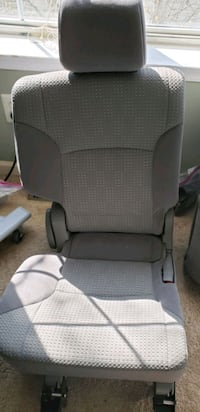 2003 to 2009 Toyota 4runner 2nd row seats Centreville, 20121