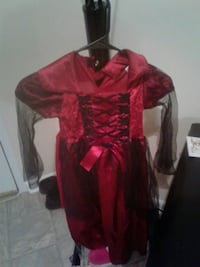 Little girl Halloween costume size small 4-6 Alexandria