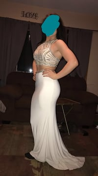 Gorgeous two piece prom dress. Size 02. It has a stretchy bottom and looks great on anyone, worn one time Lake Hallie, 54729