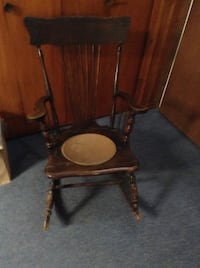 Very old Rocking chair Sainte-Sophie, J5J 1C6