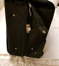 Luggage Great for Suits or Dresses Burnaby, V5A 4A5
