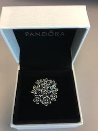 Pandora Gold Ring Newmarket, L3Y 2P9
